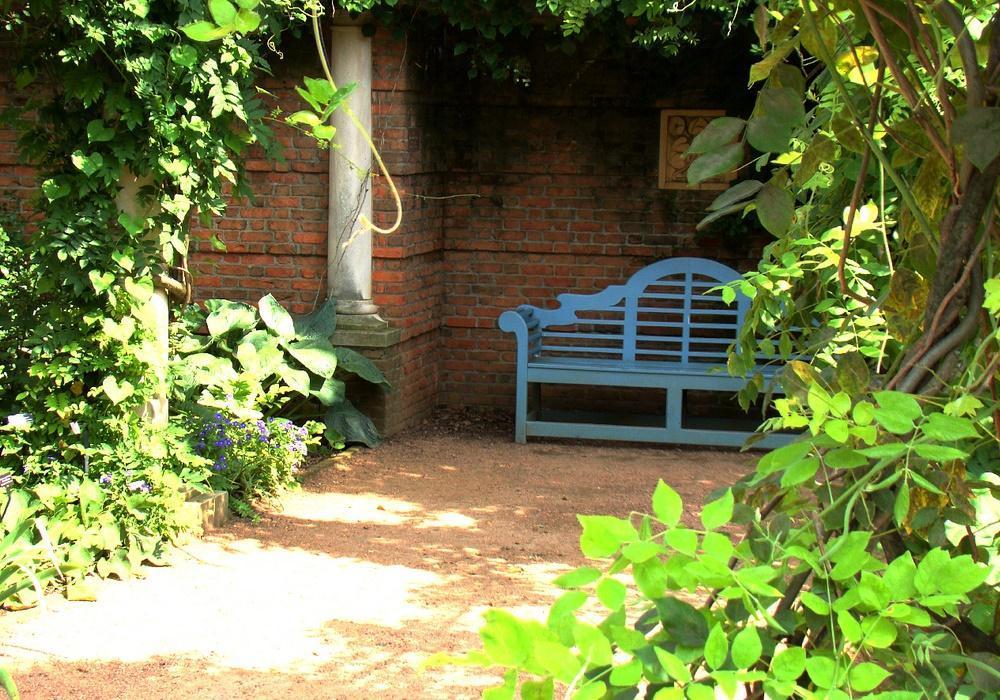 garden bench pictures