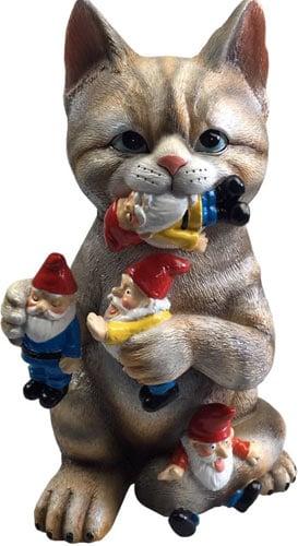 GARDEN GNOME STATUE - Cat massacre