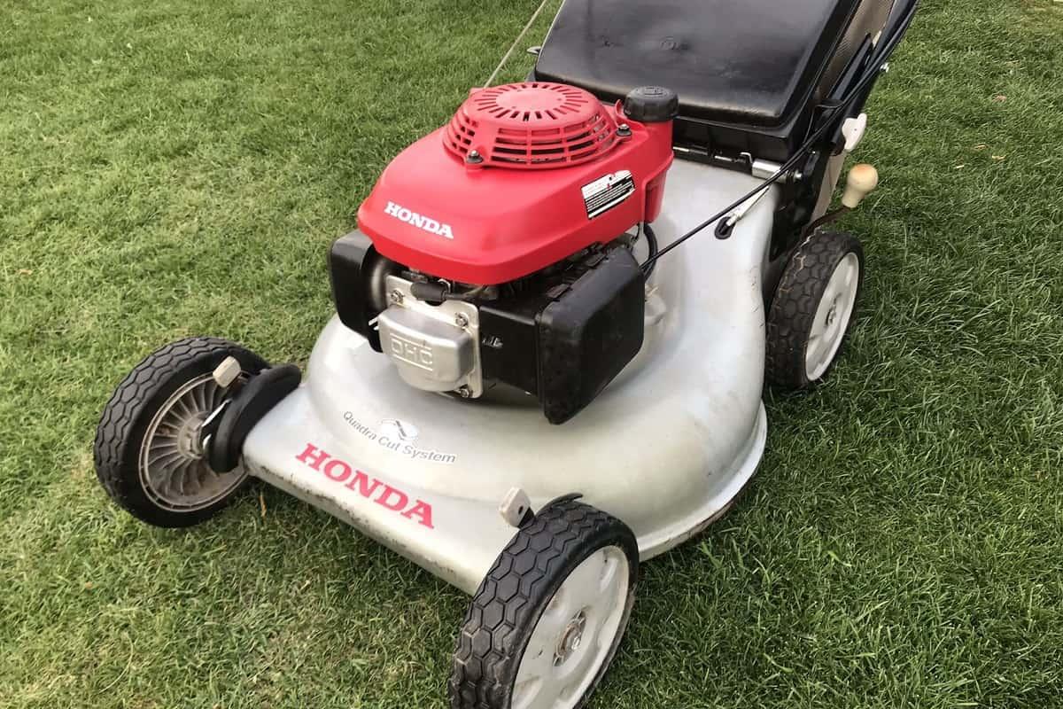 lawn mower Honda HRR216k9VKA Review